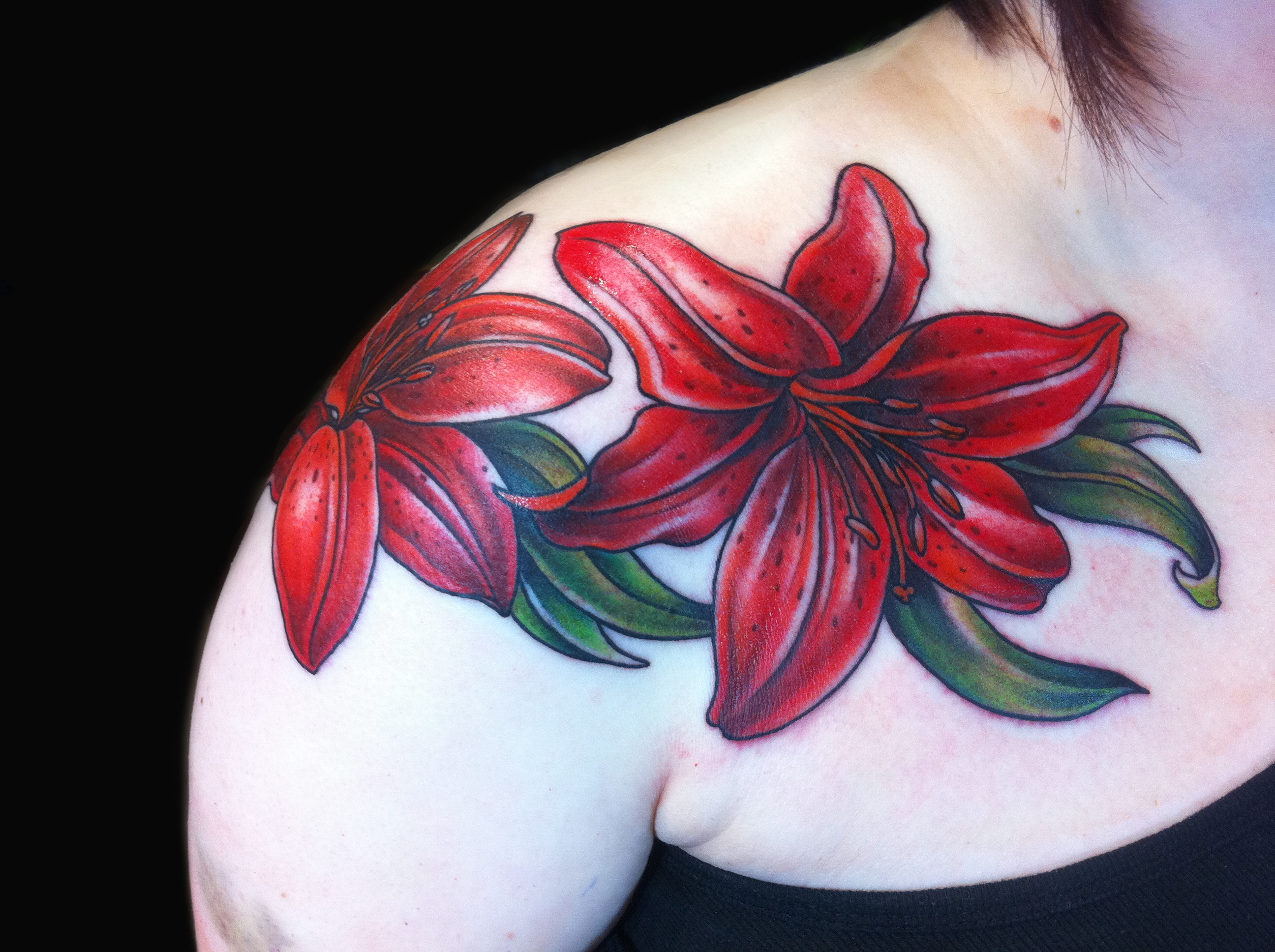 Tattoos jessi lawson artist red lily tattoo floral chest piece done by female tattoo artist jessi lawson izmirmasajfo